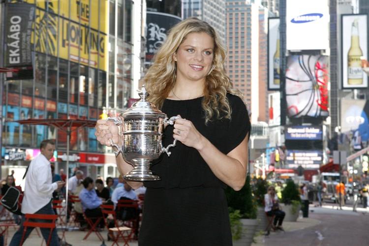 Kim Clijsters a posé pour les photographes sur... (Photo: Reuters)