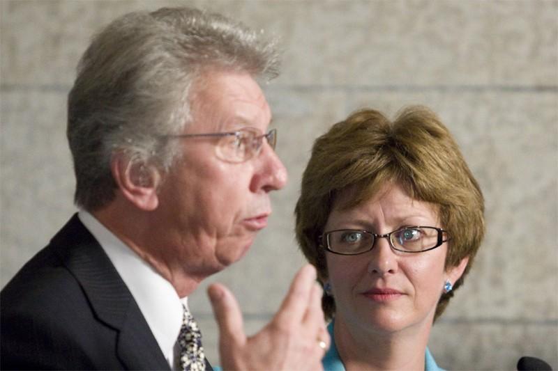 La ministre des Ressources humaines, Diane Finley, et... (Photo Canadian Press)
