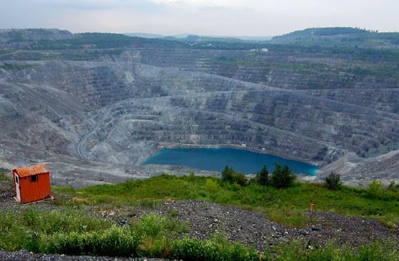 Une mine d'amiante à Asbestos.... (Photo: Archives La Presse)