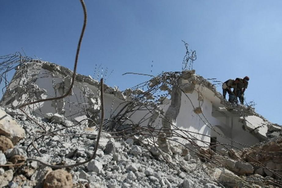 Des roquettes et obus de mortier ont été... (Photo archives AFP)
