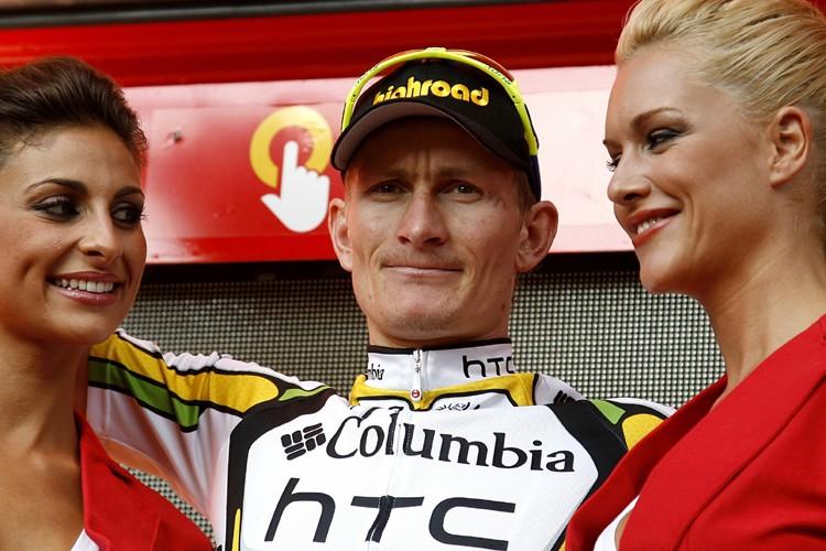 Andre Greipel célèbre sur le podium.... (Photo: AFP)