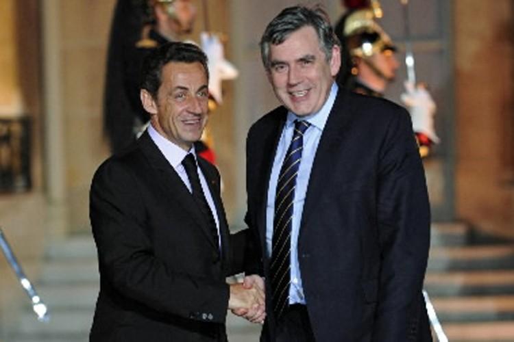 Nicolas Sarkozy et Gordon Brown.... (Photo: Reuters)