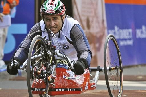 Alex Zanardi compte bien participer aux prochains Jeux... (Photo AP)
