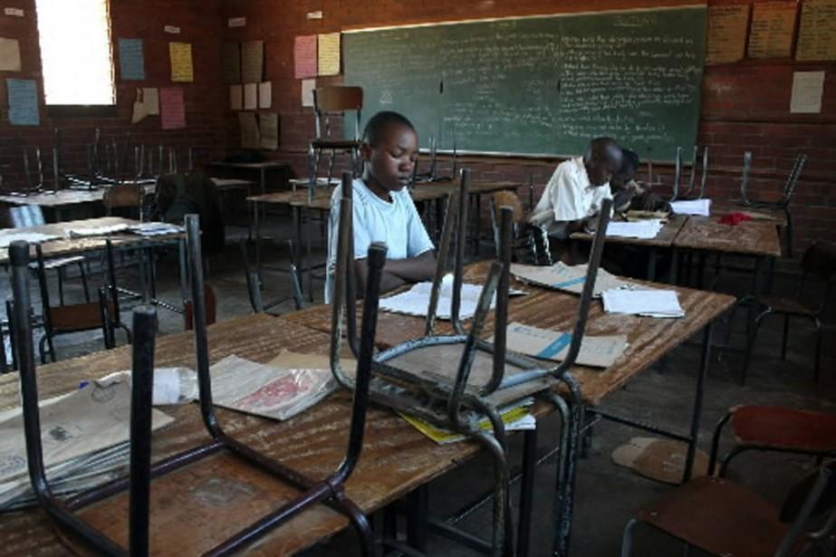 Le Zimbabwe, en proie depuis une décennie à... (Photo AP)