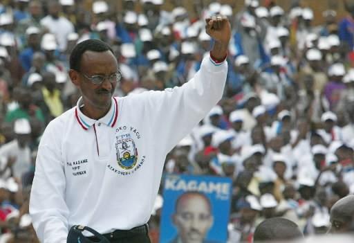 Paul Kagame pendant la dernière campagne présidentielle, en... (Photo archives AP)