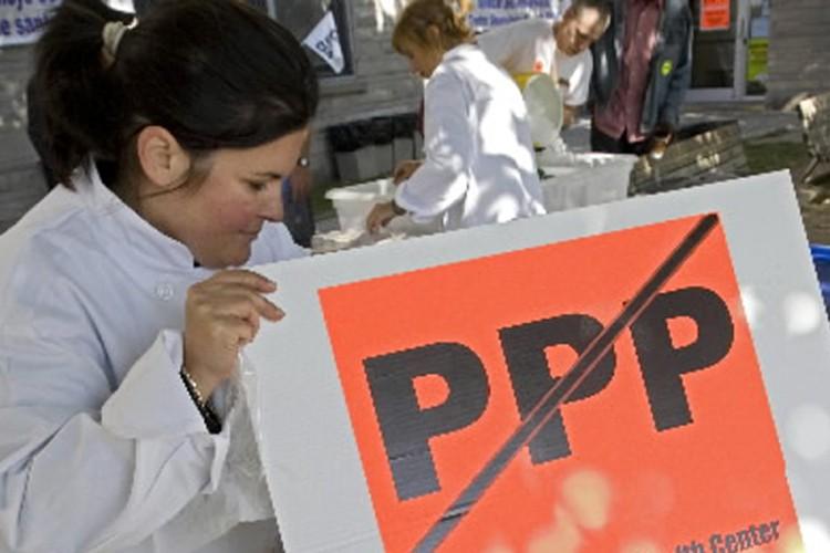 Des représentants de syndicats des travailleurs du ... (Photo: Ivanoh Demers, La Presse)