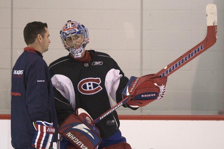 Le gardien Carey Price profite des conseils d'un... (Photo: Robert Skinner, La Presse)