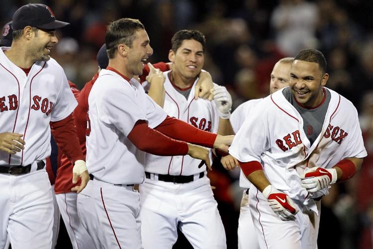 Alex Gonzalez (à droite) a célébré avec ses... (Photo: AP)