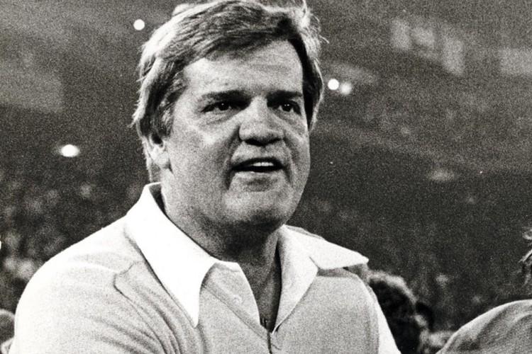 Monte Clark alors qu'il dirigeait les Lions en... (Photo: AP)