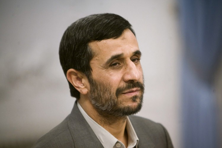 Mahmoud Ahmadinejad... (Photo: Reuters)