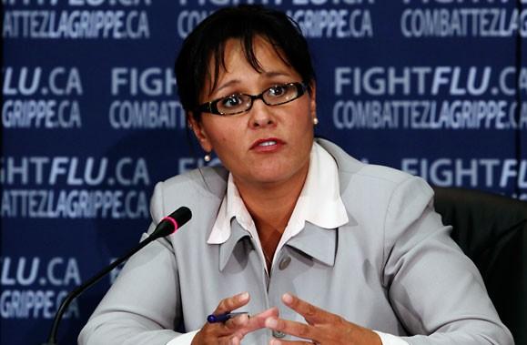 La ministre de la Santé, Leona Aglukkaq, elle-même... (Photo: PC)