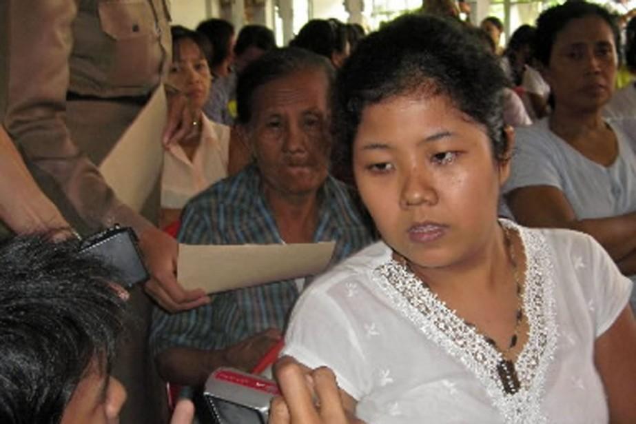 La journaliste Eint Khaing Oo, à sa sortie... (Photo AFP)