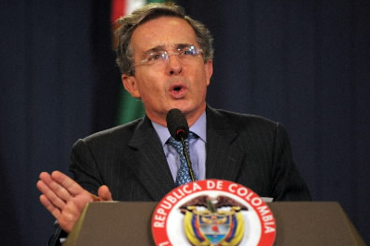 Le président colombien, Alvaro Uribe.... (Photo: AFP)
