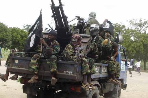 Des combattants islamistes patrouillent dans le sud de... (Photo Reuters)