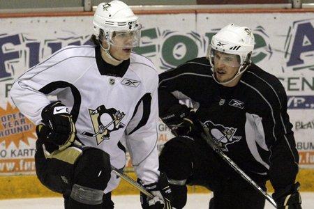 Evgeny Malkin et Sidney Crosby seront en uniforme... (Photo: AP)