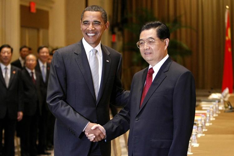 Barack Obama et Hu Jintao après un dîner... (Photo: AFP)