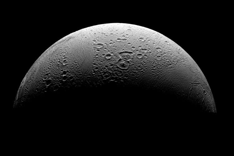 Des particules d'eau sont présentes sur la surface de la Lune,... (Photo: AFP)
