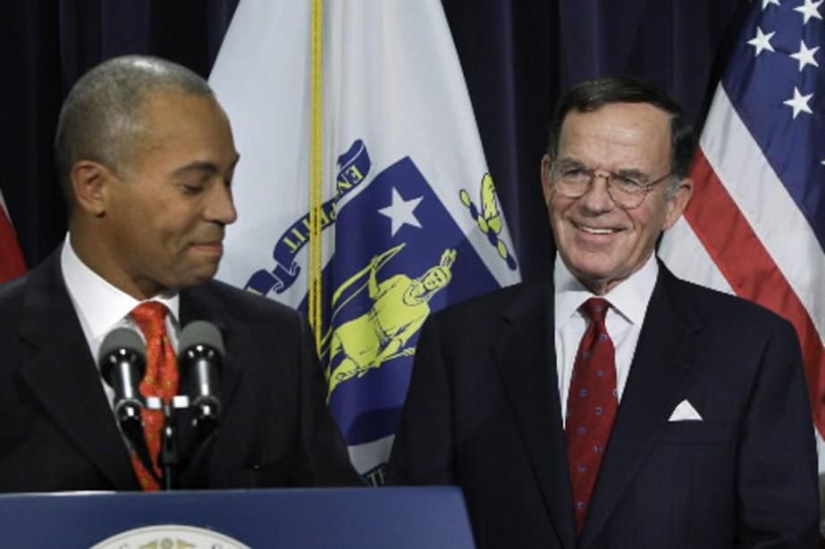 Paul G. Kirk Jr (à droite) assurera l'intérim... (Photo AP)