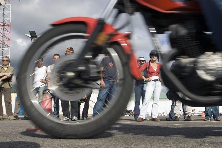 S'il n'en tient qu'aux automobilistes, les motocyclistes en... (Photo: La Presse)