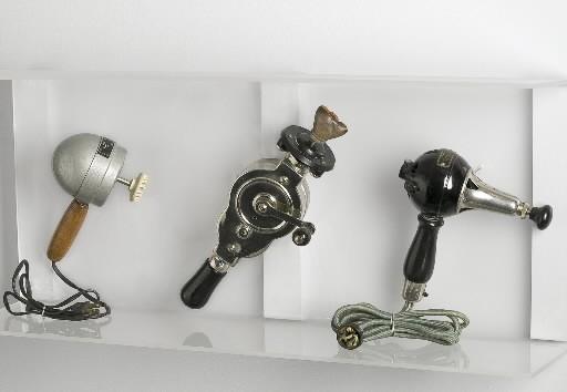 Ces vibromasseurs datent respectivement de 1930-40, 1911 et... (Photo: fournie par le Museum of sex, New York)