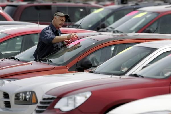 Ça a frappé fort. Une grosse crise pour une grosse industrie.... (Photo: Reuters)
