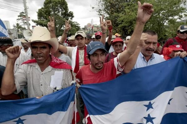 Les partisans du président déchu du Honduras Manuel Zelaya ont à... (Photo: AP)