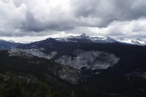 Vue au sommet du Half Dome... (Photo: BNicolas Bérubé, La Presse)