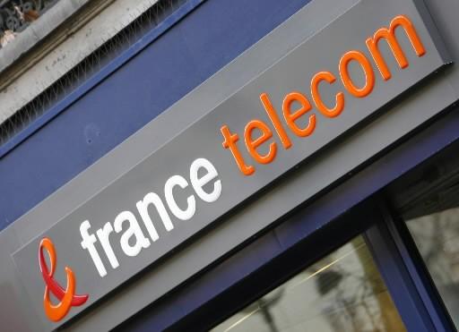 Vingt-quatre employés de France Télécom se sont enlevé... (Photo AP)