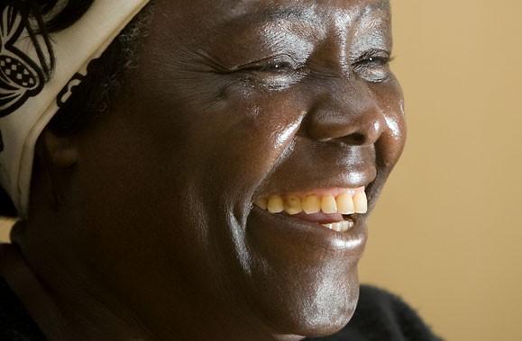 Wangari Maathai parle de l'état du monde en... (Photo André Pichette, La Presse)