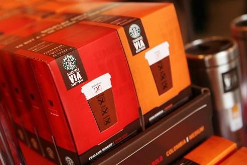 Le nouveau café instantané, baptisé Starbucks Via... (Photo: AP)