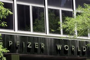 Le siège social de Pfizer à New York... (Photo: AFP)