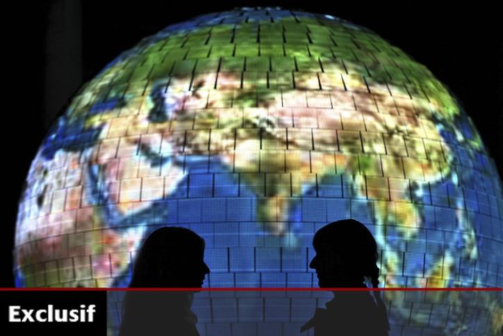 Le globe lumineux et d'autres sphères seront les... (Photo: AFP)