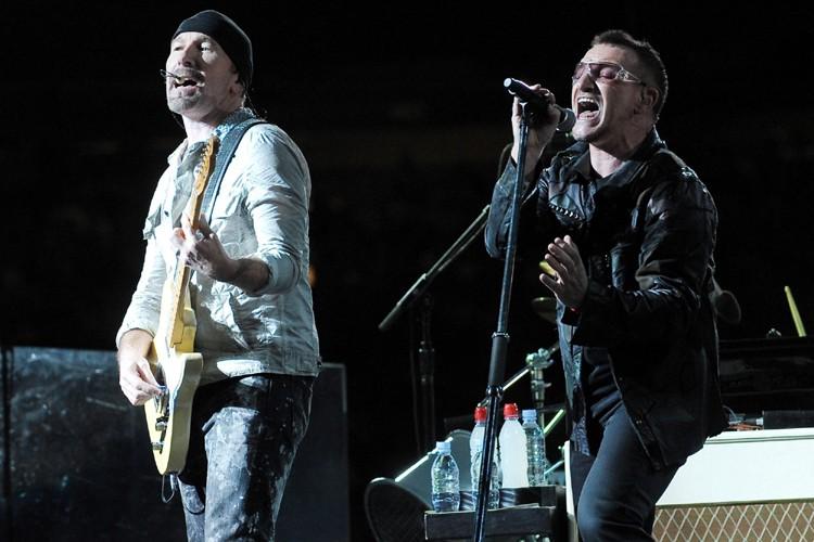 The Edge et Bono du groupe U2... (Photo: AP)