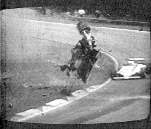 L'accident mortel de Gilles Villeneuve sur le circuit de Zolder, en Belgique, le 8 mai 1982. | 1 mars 2011