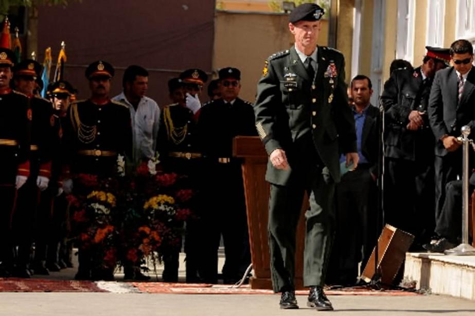 Le général McChrystal recommande de faire primer la... (Photo AFP)