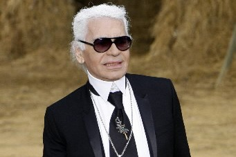 Le couturier Karl Lagerfeld... (Photo: Reuters)