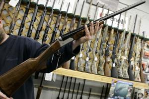 Québec doit prendre en charge le contrôle des armes sur... (Photo: Archives PC)