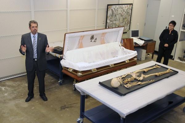 """Les ossements d'Alexis Lapointe, surnommé le """"Trotteur"""" en... (Photo: Le Quotidien)"""