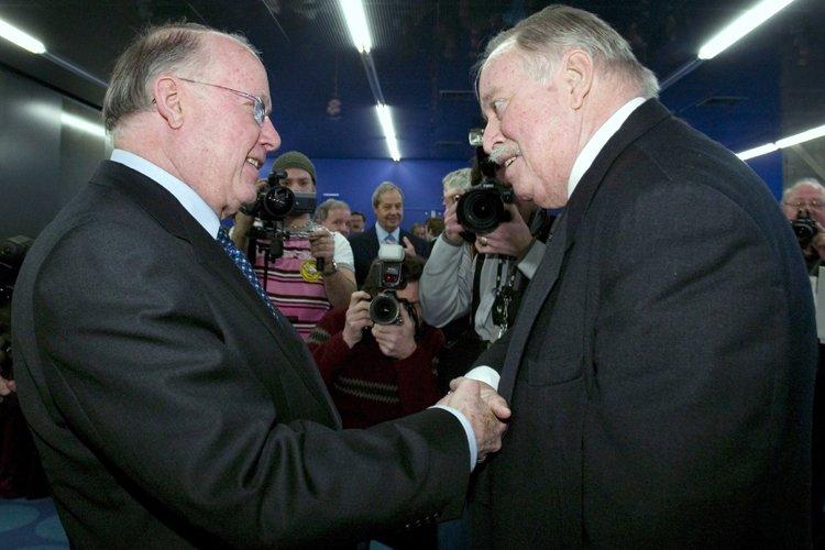 Les anciens premiers ministres Bernard Landry et Jacques... (Photo archives La Presse canadienne)
