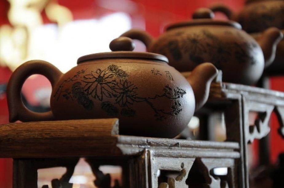 Dans un salon de thé au pied du Bouddha géant. | 1 mars 2011
