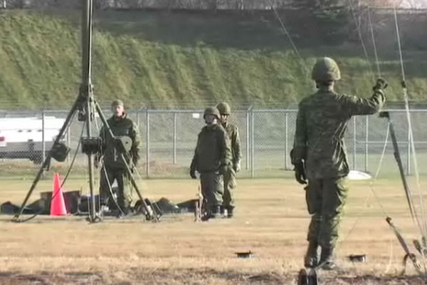 Plus d'une centaine de militaires rattachés au Quartier général et à l'Escadron...