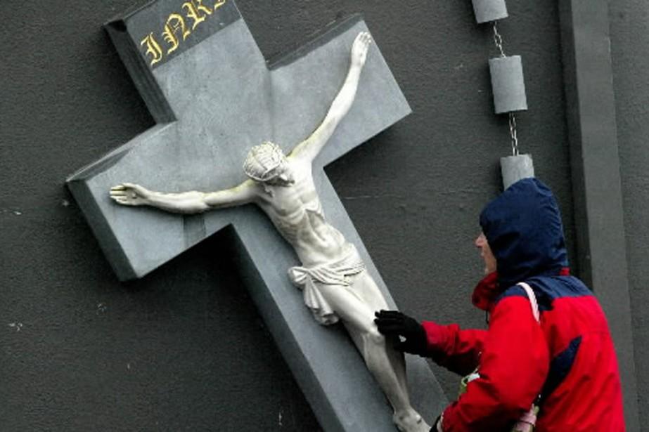 L'enquête devrait révéler comment des prêtres auteurs d'abus... (Photo: archives AFP)