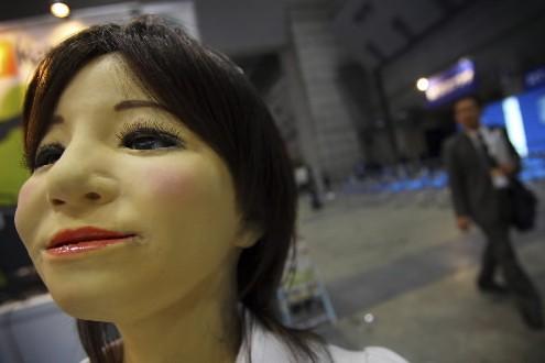 Un robot-secrétaire en exposition à Tokyo... (Photo: AFP)