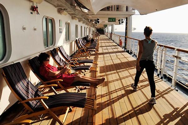 Un bateau de croisière... (Photo Bernard Brault, archives La Presse)