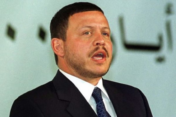 Le roi Abdallah II de Jordanie a dissous... (Photo: Ali Jarekji, Reuters)