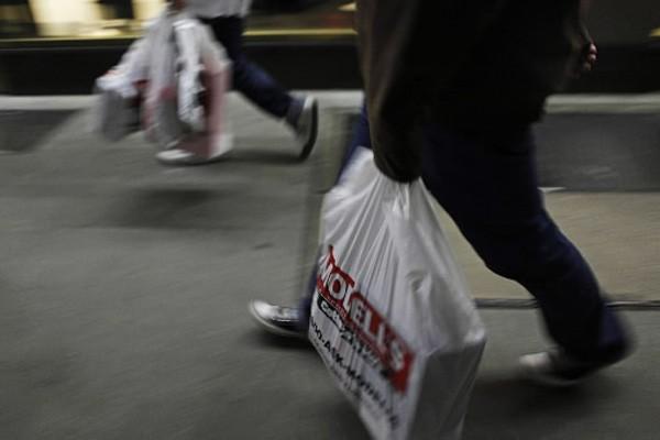 Les ventes de détail s'essoufflent aux... (Photo: Finbarr O'Reilly, Reuters)