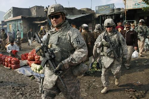 Des soldats américains patrouillent à Kaboul.... (Photo: AP)