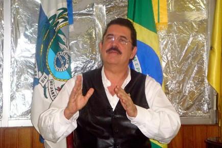 Manuel Zelaya est retranché dans l'ambassade du Brésil... (Photo: Carlos Guerrero, AP)