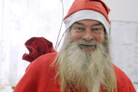 Le père Noël de Kostowiec... (Photo: AFP)