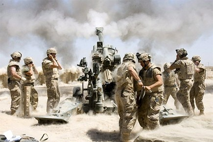 Les soldats canadiens n'entendent malgré tout pas délaisser... (Photo: Archives CP)